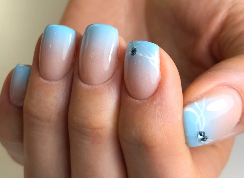 How to Paint Ombre Nails Perfectly