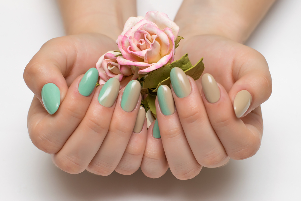 Green and beige ombre nails for St. Patrick
