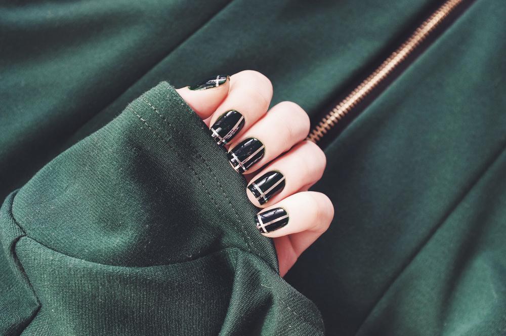 Dark green manicure for St. Patrick