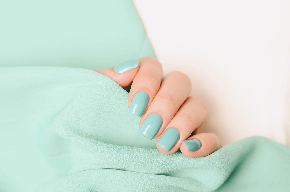 Mint manicure for St. Patrick
