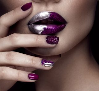 4 Glitter Nail Art Ideas to Achieve the Perfect Glitz and Glam