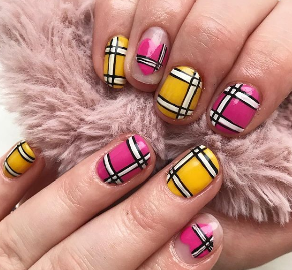 Vacation nails - Europe