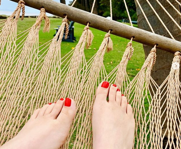 Best Summer Pedicure Colors - red